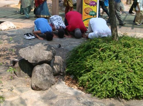 Vous priez partout, tout le temps