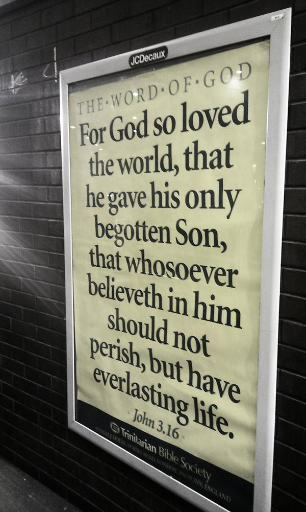 Verset biblique dans une gare de Londres