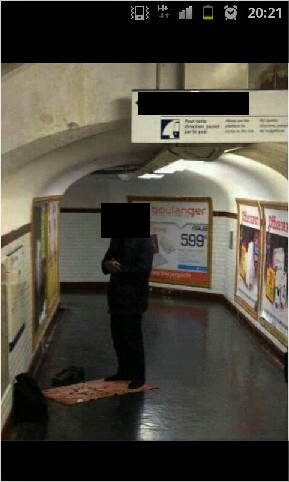 priere dans le metro
