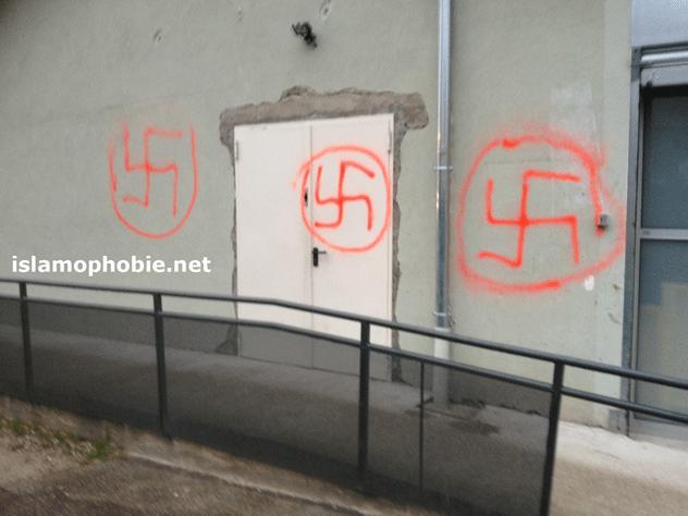 Tags nazis sur la mosquée de Voiron
