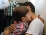 Syrie - un père retrouve son fils qu'il croyait mort