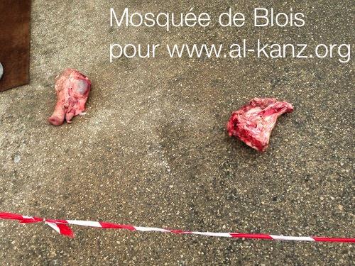 Blois mosque desecration 6.png